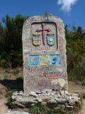 Roadsign på vägen av ` för Santiago för St James `-Jakobsweg ` eller `-Camino till Santiago de Compostela Royaltyfria Bilder