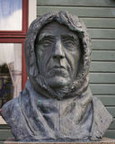 Roald Amundsen en monument i Tromso, Norge Arkivbild