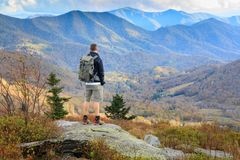 Roan Mountain NC Autumn Appalachian Trail Backpacker lizenzfreies stockbild