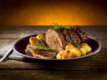 Roast του μοσχαρίσιου κρέατος Στοκ Εικόνες