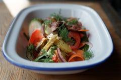 roastbeef和菜德国开胃菜  库存照片