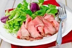 Roastbeef用沙拉 免版税库存图片