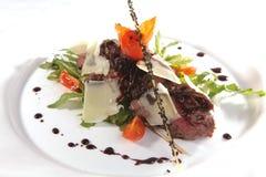 roastbeef avec des légumes Images stock