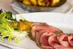 Roastbeef com suplementos Fotos de Stock