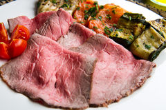 Roastbeef with grilled vegetables Royalty Free Stock Photos
