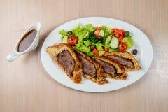 Roastbeef mit Gemüse Lizenzfreies Stockbild
