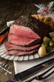 Roastbeef mit Yorkshire-Puddings Lizenzfreies Stockfoto