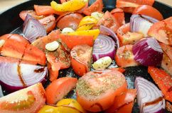 Roasted混合了菜,可口素食膳食 免版税图库摄影