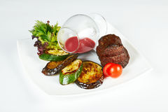 Roasted Beef With Gravy And Grilled Vegetables Stock Photography