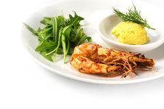 Roasted black tiger shrimp with rocket salad and garlic mayonnai Royalty Free Stock Photos