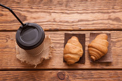 Roasted coffee beans, cup and desserts Royalty Free Stock Photography