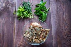 Roasted cortou os reforços de carne de porco do assado, foco na carne cortada Foto de Stock