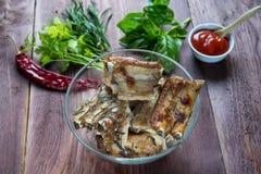 Roasted cortou os reforços de carne de porco do assado, foco na carne cortada Imagem de Stock