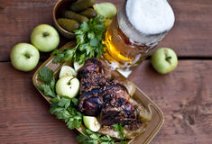 Roasted pork knuckle with beer and mustard Royalty Free Stock Photos