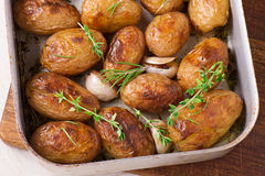 Roasted potatoes with garlic Stock Photography