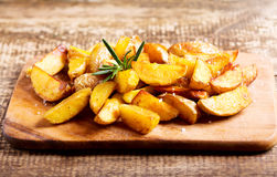 Roasted potatoes with rosemary Royalty Free Stock Images