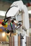 robótica brazo del manipulante con el detalle Imagen de archivo