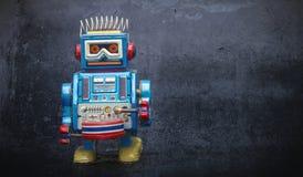 Robô pequeno em áspero preto Fotografia de Stock