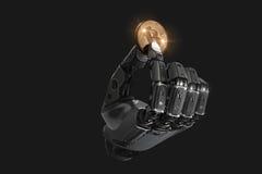 Robô que guarda o bitcoin com os dedos no braço mecânico Fotografia de Stock Royalty Free