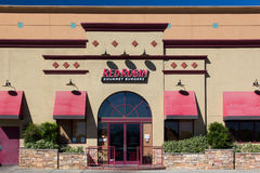 Robbin Gourmet Burgers Restaurant Exterior rossa fotografie stock