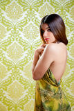 Robe arrière de belle fille indienne asiatique Photographie stock libre de droits