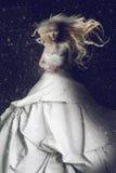 Robe blanche s'usante de femme - comme Venus Photographie stock libre de droits