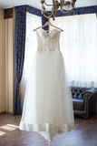 Robe de mariage dans l'intérieur Image libre de droits