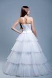 Robe de mariage sur le modèle de mode Photographie stock libre de droits
