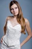 Robe de mariage sur le modèle de mode Photos stock