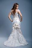 Robe de mariage sur le modèle de mode Photo libre de droits