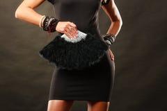 Robe de soirée de femme avec la fan noire à disposition Images libres de droits