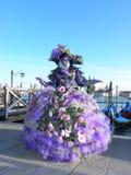 Robe fleurie de fantaisie, carnaval de Venise Image libre de droits