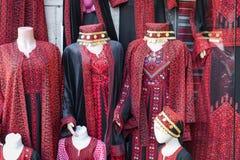 Robe perlée, robe traditionnelle à vendre à Amman, Jordanie Photographie stock