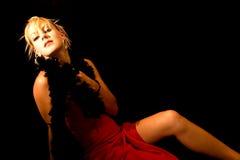 Robe rouge blonde Photo libre de droits
