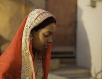 Robe traditionnelle portée par les femmes indiennes photographie stock libre de droits