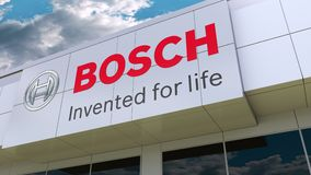 Robert Bosch-GmbHlogo auf der modernen Gebäudefassade Redaktionelle Wiedergabe 3D lizenzfreie abbildung