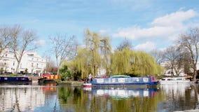 Robert Browning Island, Fußgänger in London, wenig Venedig stock video
