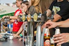 Robert Doms-bierbarmannen bij het Festival van het Atlasweekend Kiev, de Oekraïne stock afbeelding