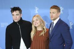 Robert Pattinson, Charlie Hunnam, Sienna Μίλερ Στοκ φωτογραφία με δικαίωμα ελεύθερης χρήσης