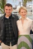 Robert Pattinson & Mia Wasikowska Royalty Free Stock Photos