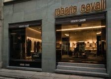 Roberto Cavalli-boutique Milaan Stock Afbeeldingen