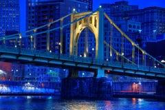 Roberto Clemente Bridge på natten Fotografering för Bildbyråer