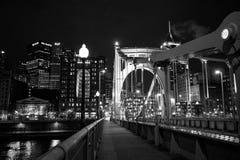 Roberto Clemente most przy nocą zdjęcie stock