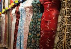 Robes de type chinois. Hong Kong. Image libre de droits