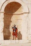 Robes jordaniennes d'homme en tant que soldat romain photos libres de droits