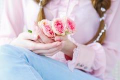 Robiący manikiur paznokcie i wzrastali kwiaty zdjęcia royalty free