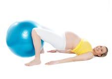 robić ćwiczenia ciężarnej relaksu kobiety Obraz Stock