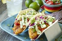 Robić Świeży Rybi Tacos zdjęcie royalty free