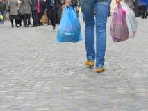 Robić zakupy w mieście Obraz Royalty Free