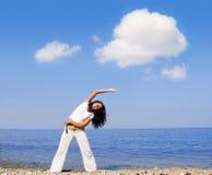 robi ćwiczenie fitness piękne kobiety fizycznej młodych Obraz Royalty Free